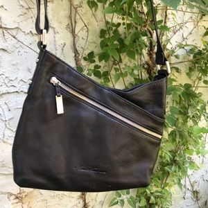 Kenneth Cole black leather purse